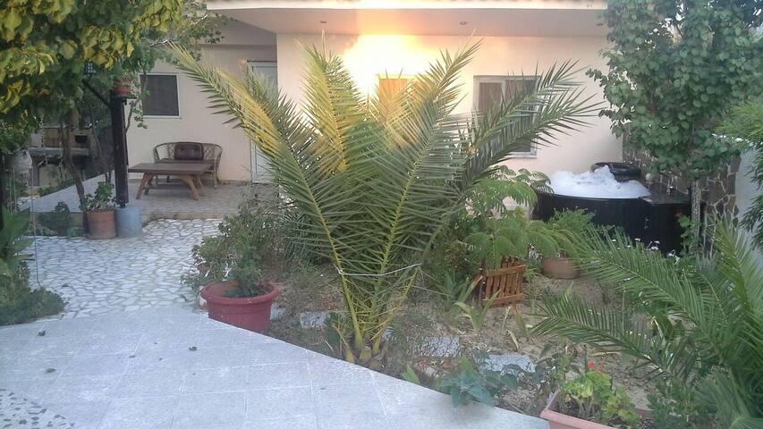 Σπίτι  με sauna   Jacuzzi  parking - Άγιος Σεραφείμ - House