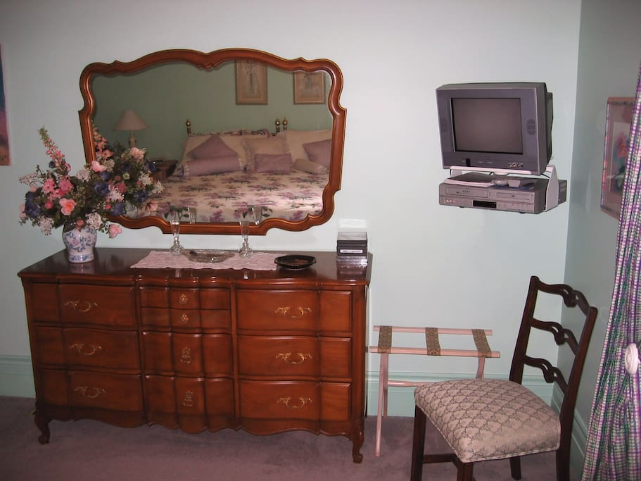 Dresser as well as cable TV
