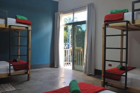 NAZU City Hostel - DORM - Guayaquil