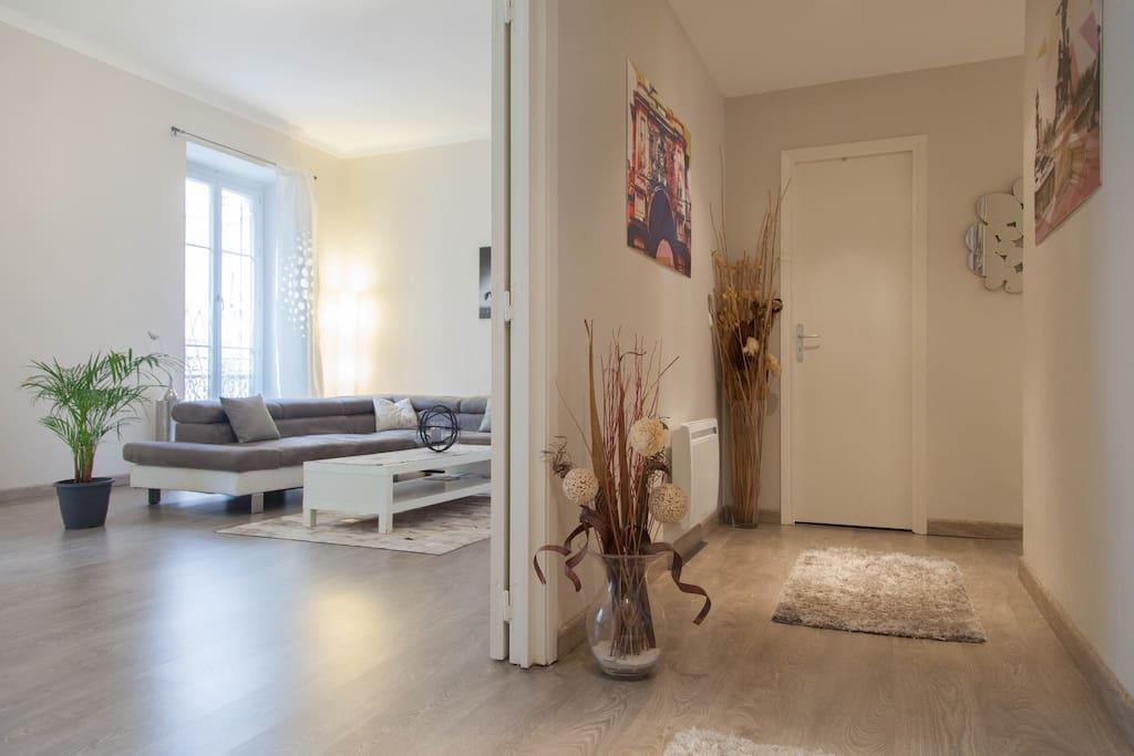 Private room chambre priv e appartements louer for Chambre a louer nice