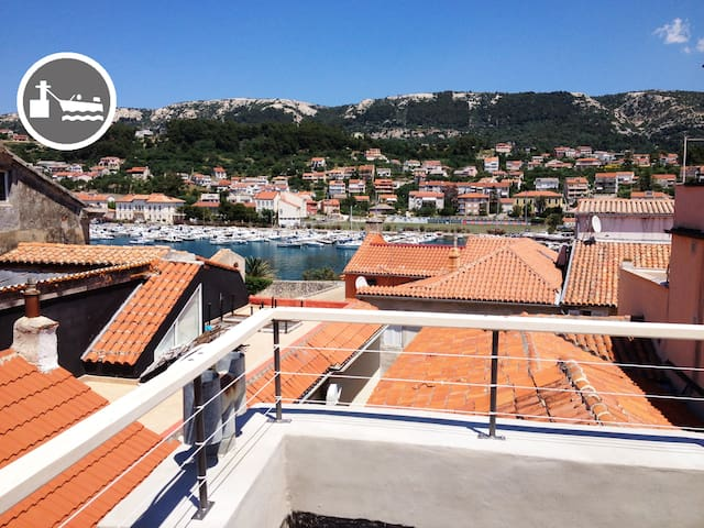 Old town house with port view - Rab - Apartment