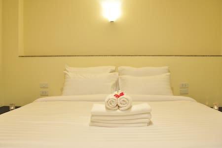 Standard Double Room /The Bloom - Bangkok