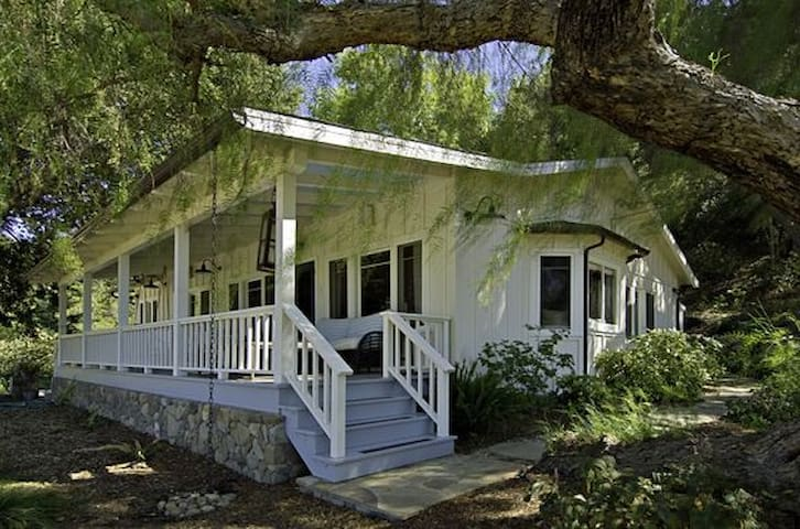 Quintessential Farm House Setting - Ojai - Rumah
