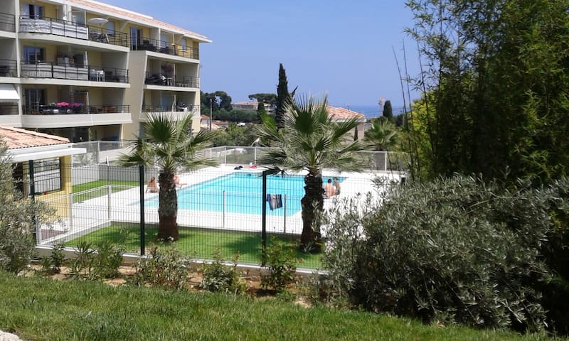 Appartment with swimming pool close to the Sea