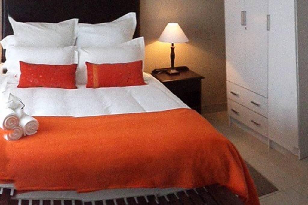 Queen extra length bed