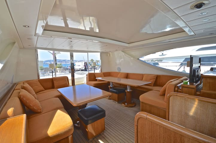 m/y best mountain - Cannes - Barca