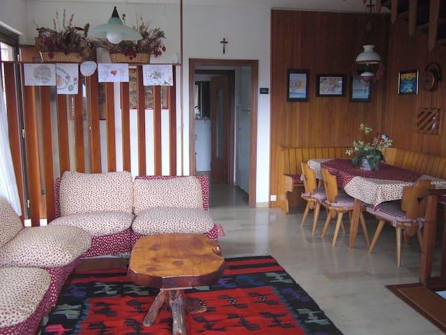 Appartamento 3 piani, centro Asiago - Asiago - Lägenhet