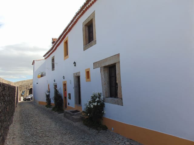 Casa O Arco- Alojamento local - Marvão - Apartemen