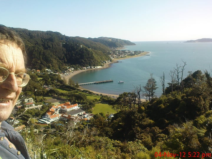 Eastbourne (NZ) seaside retreat !