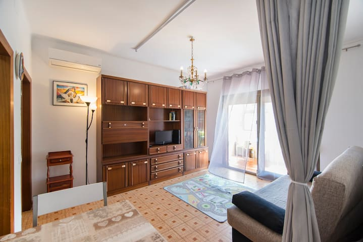 Nice and cozy room for your rest! - Barcelona - Apartment