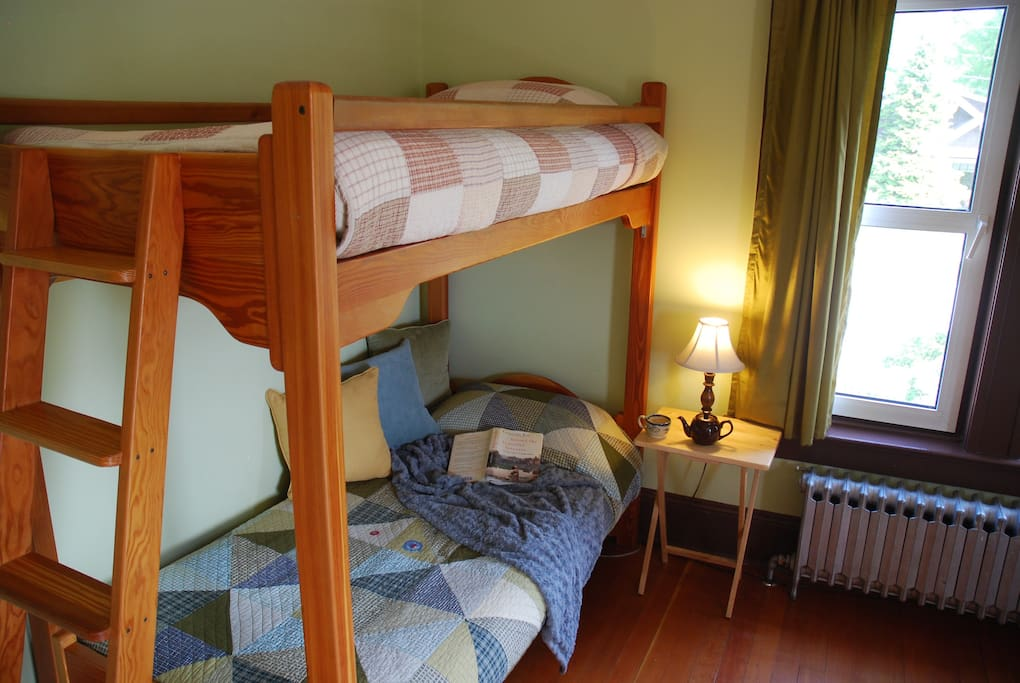 Bunks in the Victoria Suite main room