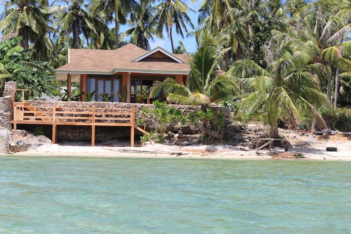 Rhumbutan Beach House, San Juan - Ocean Front