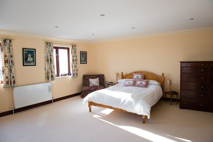 Double en-suite in country house. - South Hams District - Bed & Breakfast