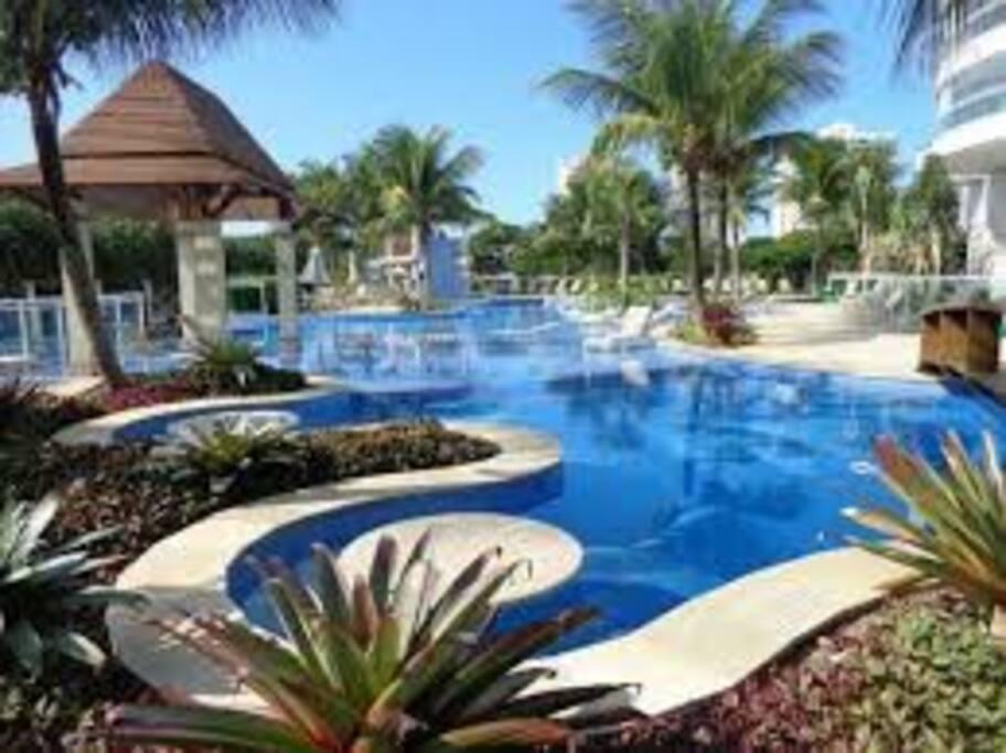 Piscina principal, cinco piscinas