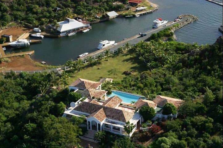 Five Bedroom Villa In St.Martin - lowlands - Villa