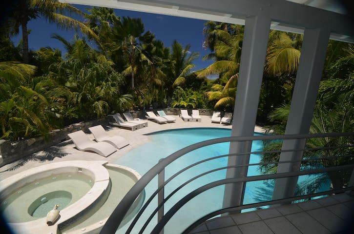 Chambre dans résidence Naturiste - Orient Bay - Bed & Breakfast