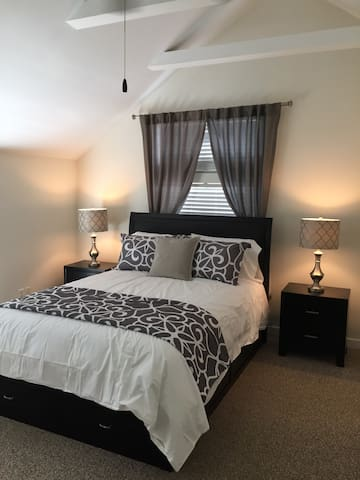 Elegant, Upscale, Modern Apartment - Fayetteville - Appartement