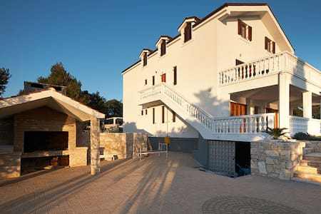 Delux Villa in Pirovac near Tisno - Pirovac