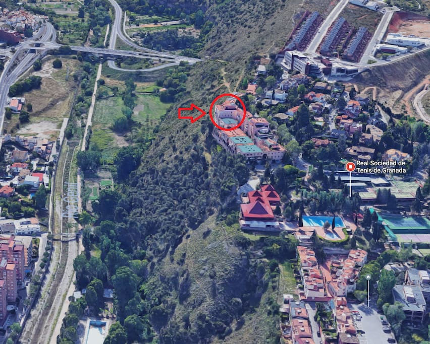 El apartamento en Apartahotel El Serrallo, junto a la Real Sociedad de Tenis de Granada (Club de Tenis)