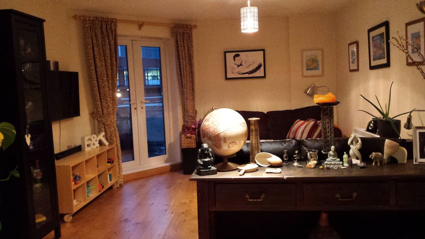 Living/lounge room