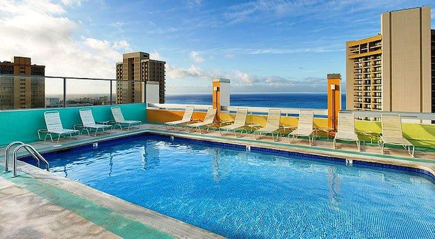 Rooftop Pool and Ocean View Studio