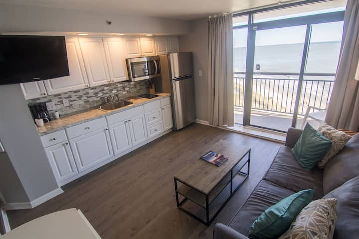 Modern Beachfront Condo In North Myrtle Beach 923