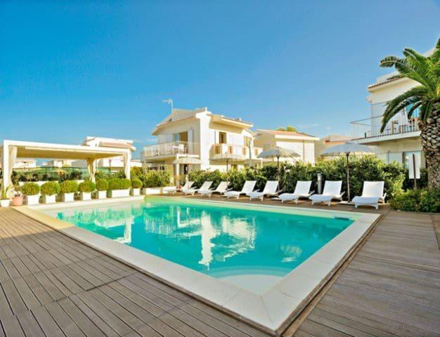 Beach-side with pool- Salina B apt.