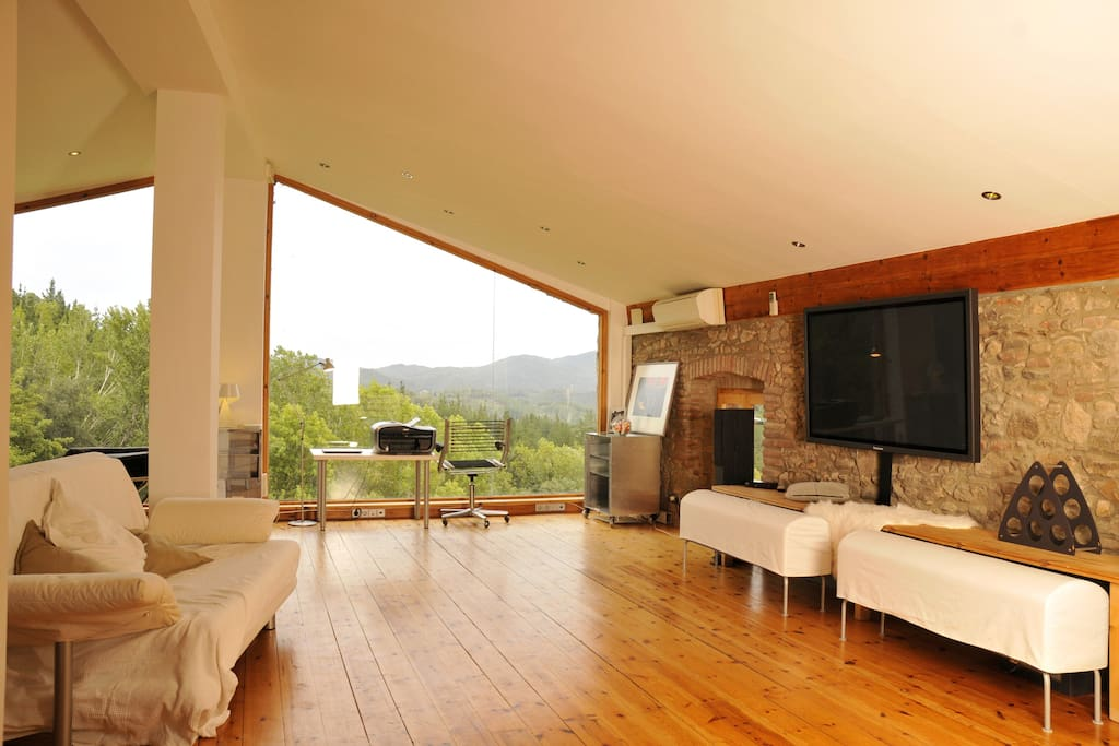 Loft with pool in natural park lofts louer arb cies for Piscines naturals catalunya