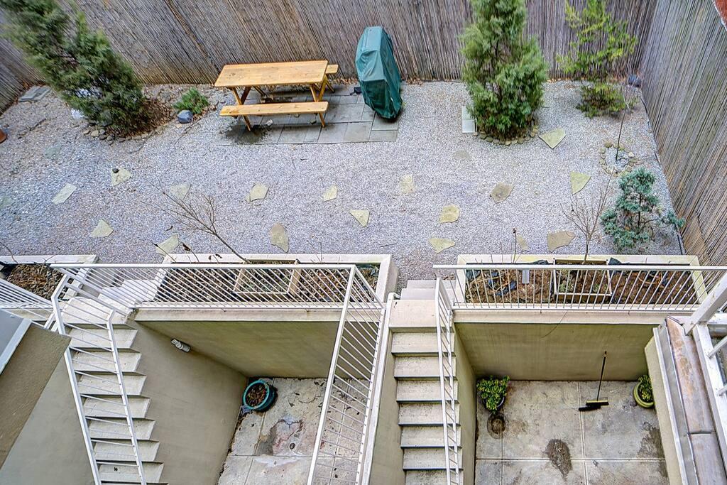 outdoor garden and picnic area