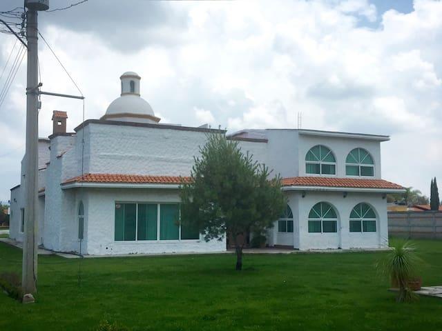 Gran Hacienda Chenson, Alberca Calientita, Terraza