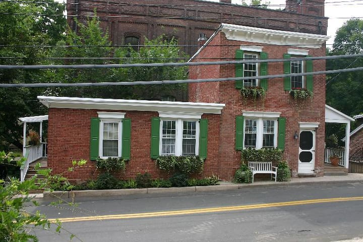 Firehouse 2 Bedroom Suite in Piermont NY - Piermont - Apartment