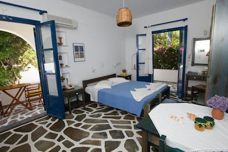 angies studios  2 beds - Πάρος