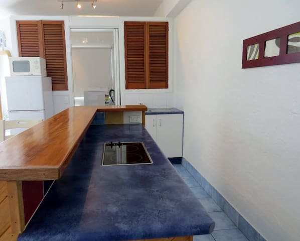 Fully self contained studio - Sapphire Beach - Apartment