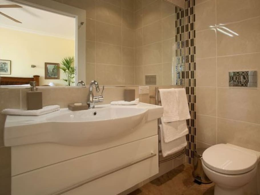 The King Palm En-suite