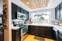 Access to the fully equipped kitchen.