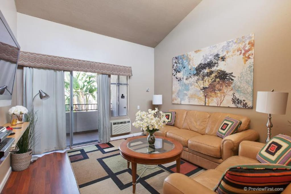 Spacious four bedroom condo condominiums for rent in san diego california united states for 2 bedroom homes for rent san diego