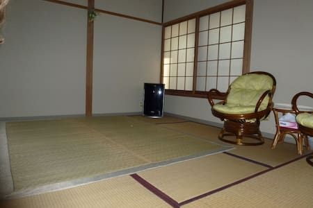 Room in guesthouse  in onsen resort 1.2 - Yonago - Bed & Breakfast