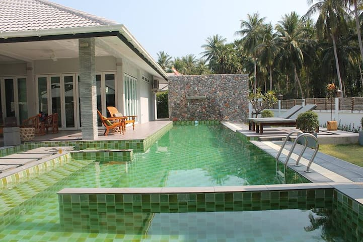 RELAXING LUXURY HOLIDAY VILLA, Villa Naam Thai 3