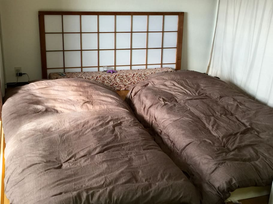 Bedroom with futon & 10cm mattress