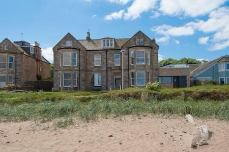 Hideaway by the sea North Berwick