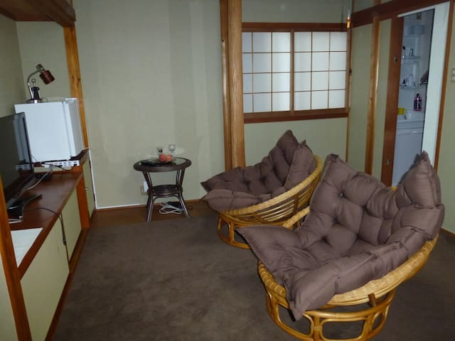 2room in guesthouse  in onsen resort 2.2 - Yonago - Aamiaismajoitus