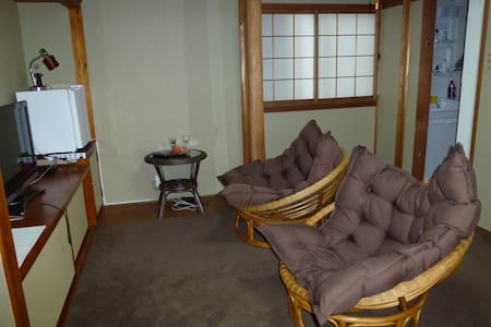 2room in guesthouse  in onsen resort 2.2 - Yonago - Bed & Breakfast
