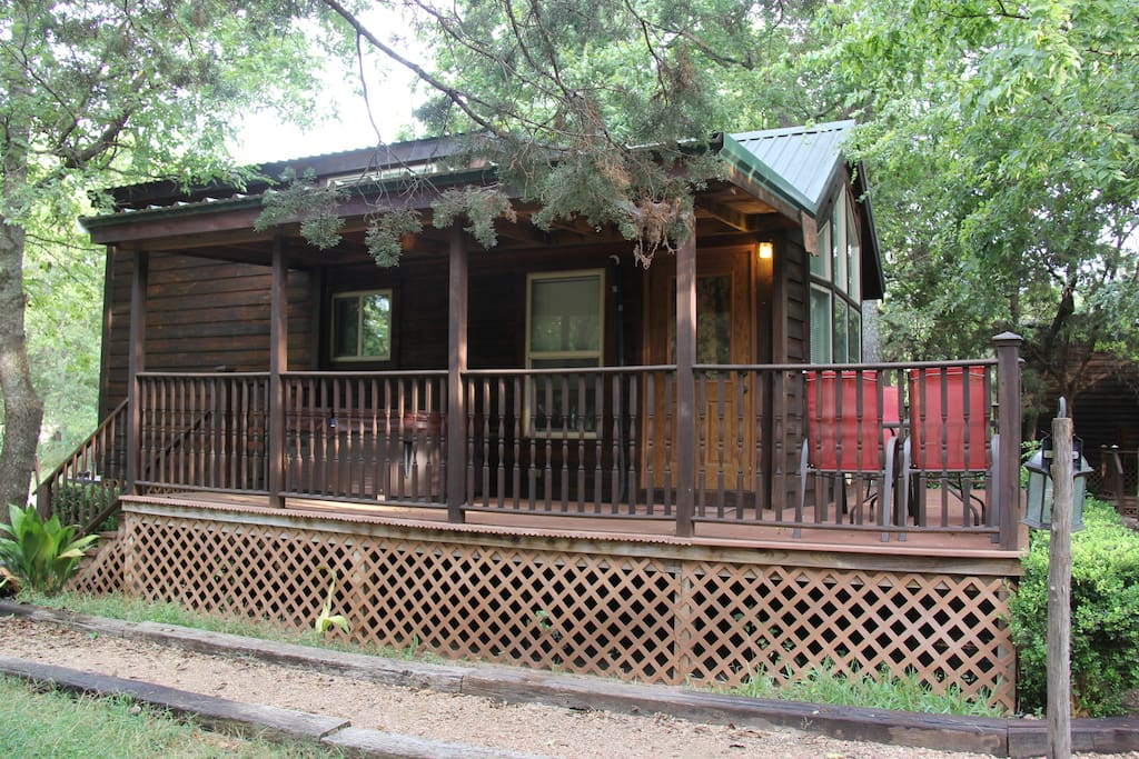 Mendelbaum winery fig cabin cabins for rent in for Cabin rentals fredericksburg tx