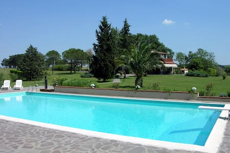 Farm Apartment Libeccio with pool  - Fauglia