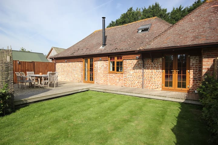 Modern Luxury Self Catering Barn. - Aldingbourne - Apartment