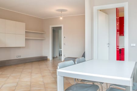 Rooms with private bath. - San Vittore Olona - Apartment