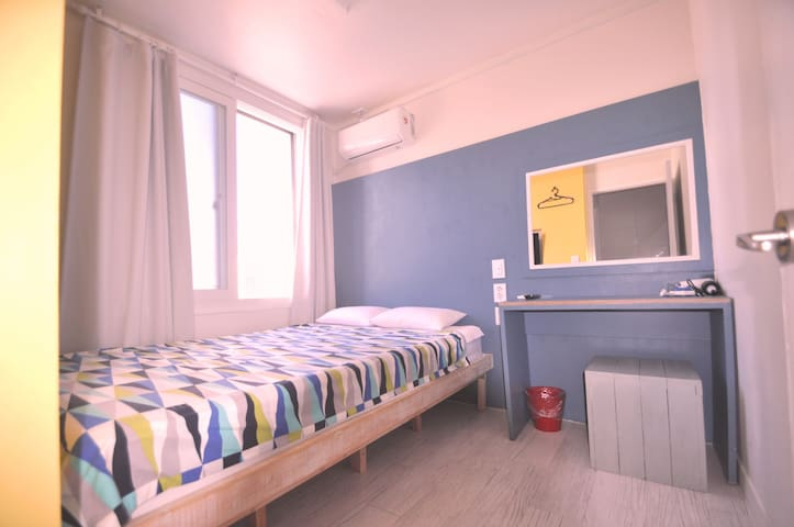 Double room/ 더블룸2인실 - Seogwipo-si - Bed & Breakfast