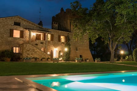 Luxury Villa & Tower with pool - Colombella