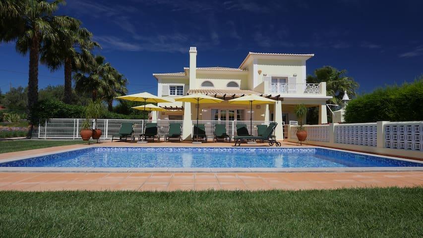 Top Family Villa, private pool, lounge bar, garden - Pechão - Villa