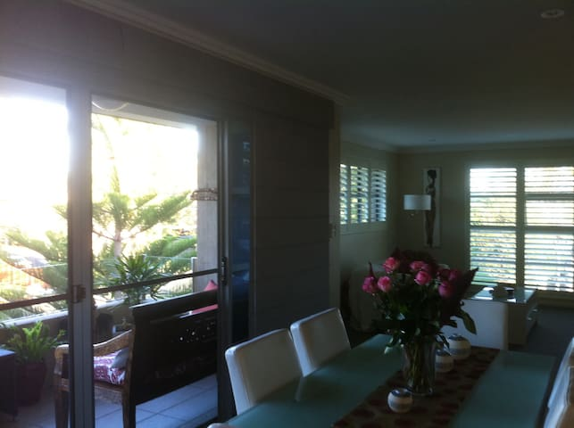 Beachside unit/apartment. - Mona Vale - Daire